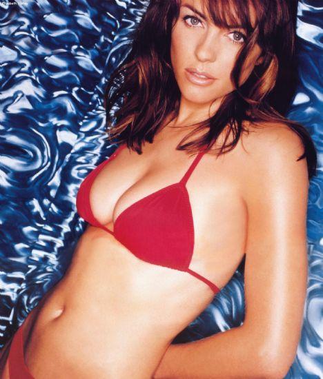 Elizabeth Hurley (43 yaşında)